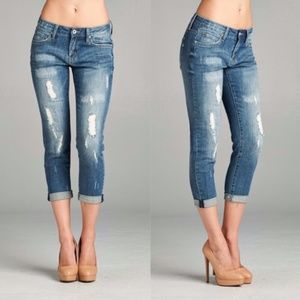 LESLY Distressed Jeans